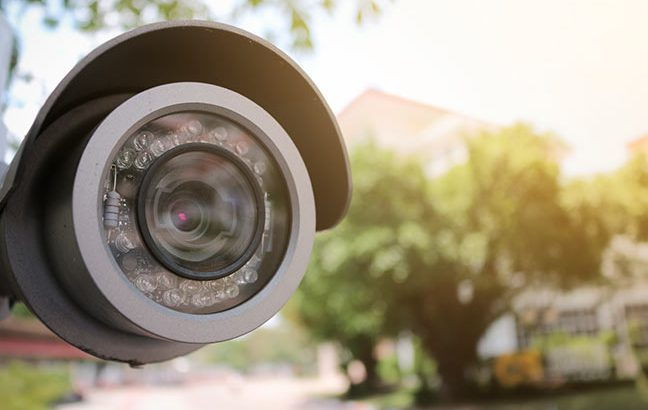 câmera de segurança em área externa